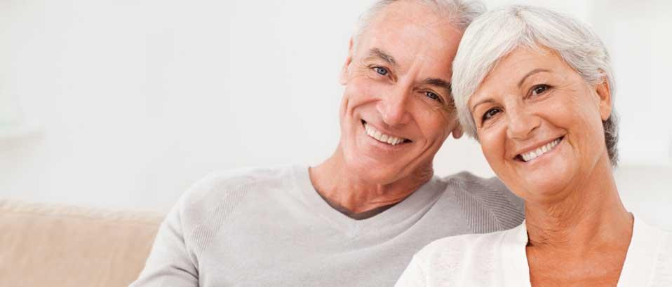 Довольные пациенты центра хирургической стоматологии