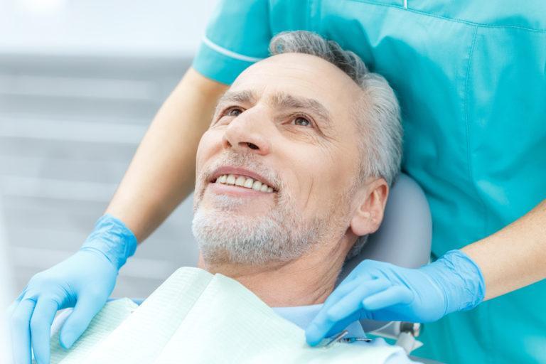 Можно ли поставить имплант сразу после удаления