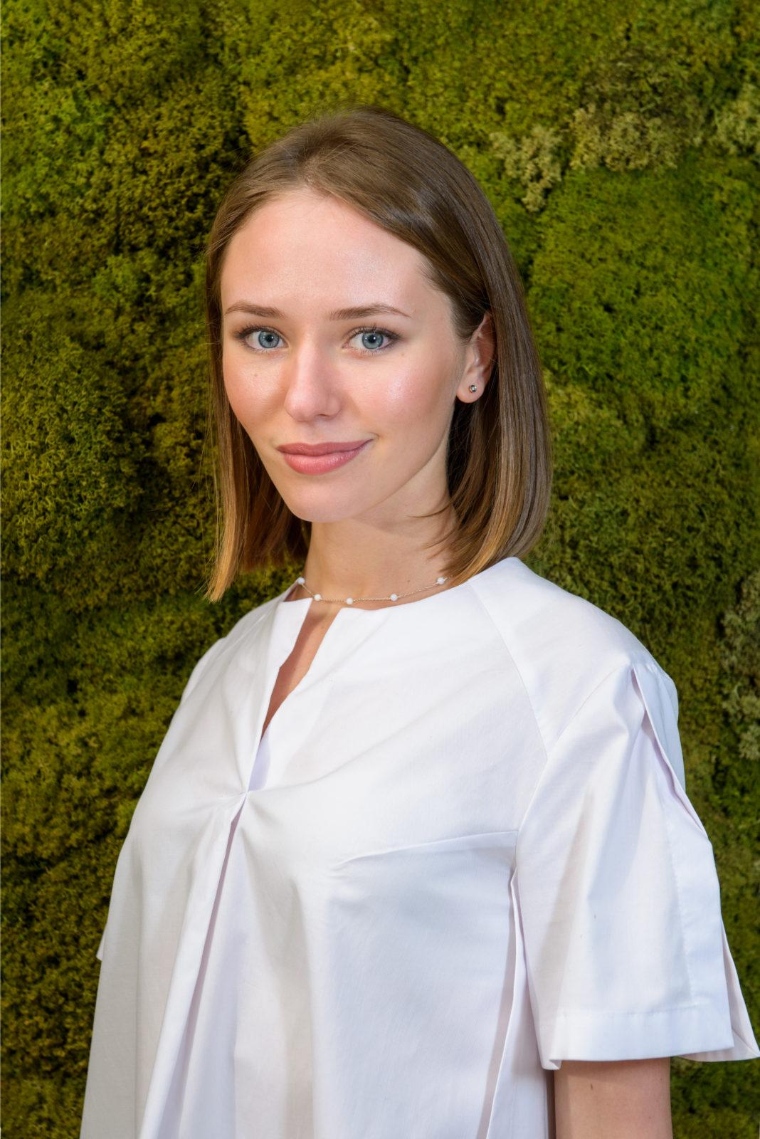 Лытасова Вероника Евгеньевна стоматолог терапевт