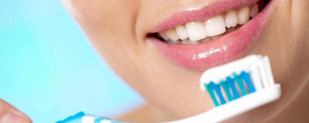 Чистка зубов после установки виниров